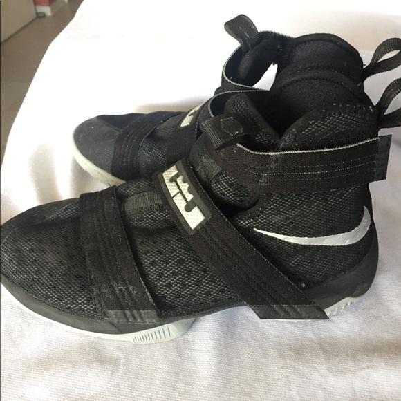 best authentic 24cc0 8d05f Nike LeBron Soldier 10 - Black/Gray - Size 6.5